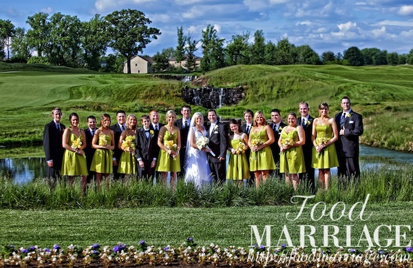 Rivercrest Golf Club Haggerty Wedding Party Picture @FoodMarriage