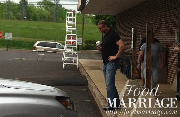 Robert Irvine at Hurley's American Grille Restaurant Impossible @FoodMarriage