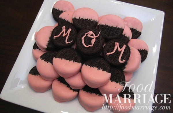 Mothers Day Dessert Idea Candy Dipped Oreos @FoodMarriage